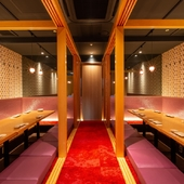2名~32名用まである個室は、全て足を伸ばしてくつろげる個室