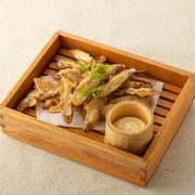 穴子の天ぷらの旨味と香味野菜の香りが食欲をそそります。