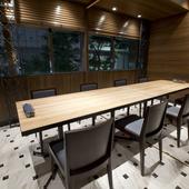 いろいろなシーンで使える、完全な防音タイプの個室席