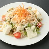 蒸し鶏と豆腐のサラダ