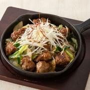 玉子三個を使用した贅沢な出し巻玉子に明太クリームソースがよく合います。