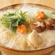 佐賀県産のありた鶏を使用した、旨味とコラーゲンたっぷりの水炊きをご賞味ください