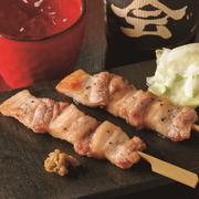 雷山豚は甘みのある脂身と弾力のある食感が特徴です。