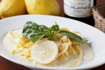 農薬不使用レモンを使ったクリームソース タリアテッレ
