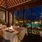 おいしい料理と美しい景観が、リゾート気分を高めてくれる