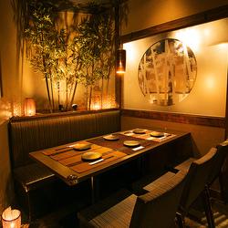 お席のみのご予約です。お食事は当日アラカルトからお選びください。