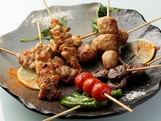 焼鳥などに使う肉は、選りすぐりのものを精肉店から直送