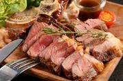 新名物第5弾は最強の肉盛プレート!サーロインステーキ、ランプステーキ、ハンバーグ、チキンローストレッグ、骨付きソーセージ、生ハムの盛り合わせ!これだけでテーブルが華やかになること間違いなし!!
