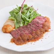 手作りのクリームコロッケは蟹の身を贅沢に使用しました。追加も可能です。 追加:345円(税抜)