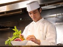 主役はお客様。料理は脇役。そして、スタッフは縁の下の力持ち