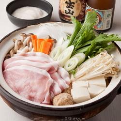 金目鯛のフリットと海老だし海鮮鍋が楽しめる