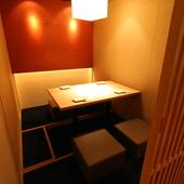 どの部屋も暖かい空気に包まれる、2名~34名までの個室