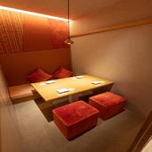 2名~64名用まである個室は、全て足を伸ばしてくつろげる個室