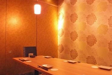 ゆったりとした個室にて、接待や会食にもふさわしい時間をお約束