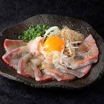 ボンタンを餌に混ぜ込み育成。 長島海峡で育ち身が引き締まりかんぱち本来の食感が味わえます。  【価格】880円