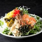 春夏バージョン、さっぱりポン酢の酸味と煮た椎茸をプラス。 ハーフサイズ:400円(税抜)  【価格】680円