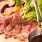お肉といえばワイン。料理に合わせて種類豊富にラインナップ