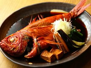 秘伝の煮汁は、旨みが詰まったこだわりの味わい『金目鯛の煮付け』
