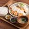 ボリューム満点の一品『自家製タルタルソースのチキン南蛮定食』