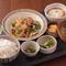 主菜と色々な副菜。和の料理が楽しめる『週替わりkawara和定食』