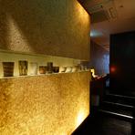 黒毛和牛や500g以上の国産伊勢海老、大きな天然黒あわびなど、その日一番状態の良い食材を全国から厳選仕入れ。熟練のシェフが手を加えれば、より一層おいしさが増し、お腹も心も満たす至極の料理へと変化します。
