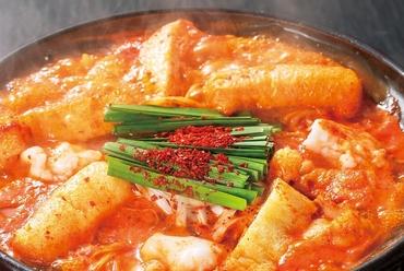 名古屋味噌と赤唐辛子を絶妙にブレンドした赤から鍋 (1人前)