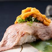 贅沢したいお客様限定。リピート続出の当店の隠れ人気メニュー。肉の旨みのウニの風味が絶妙です