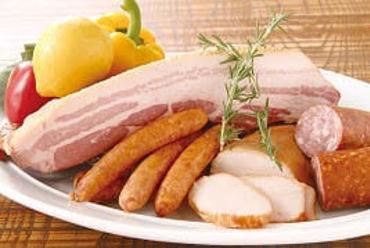 鹿児島「茶美豚」などを使用した『自家製スモーク』