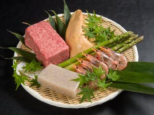 肉や魚介のやみつき定番串、野菜系やみつき串も注目