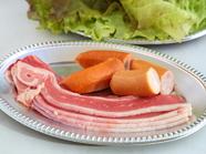 牛肉が追加され、さらに飲み放題の種類も増える豪華な『プレミアムコース』