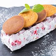 スペイン、バスク地方で人気のベイクドチーズケーキを再現! ベリーと一緒に。※アルコールを使用しております。