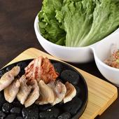 山形県の庄内豚を使用した店自慢の逸品『<米の娘豚使用>サムギョプサル』