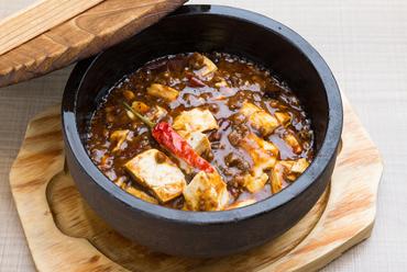 四川料理の特徴である「辛さ」が絶妙『石鍋剣門麻婆豆腐 中レギュラー』