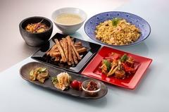 辛さが選べる自慢の麻婆豆腐や人気の炒飯など、前菜からデザートまでそろった人気のコース