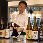 「日本酒はもちろん、この店に来ること自体を楽しんでほしい」と語る井川氏。ゲストの利用シーンに応じて、コンシェルジュのように一人ひとりに合ったきめ細やかなサービスで、とっておきの時間を提供してくれます。