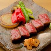 華麗な技で焼き上げる「福寿館牛」を堪能『鉄板焼きディナーコース』