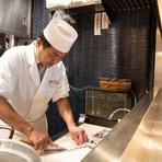 「アツアツの状態で素材の旨味を最大限に味わっていただきたい。野菜にしても旬魚介類にしても同様です。」と語る名和氏。揚げるものによって、揚げる時間や衣の量も調節しながら、丁寧に揚げてくれます。