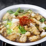 あっさりとして弾力あるジューシーな日南どりと、おろし大根が溶け合ったスープは、風味豊か。ほっと温まる体に優しい鍋です。