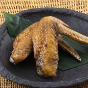 オリジナルの甘辛ダレと特製スパイスがクセになる一品。