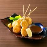 長崎豚雲仙 上質な豚肉のみを使用して作られた長崎名物の雲仙ハム。 まずは、ハムそのものの味をお楽しみください。