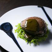 ステーキで豪快に味わってほしい、鮑ならではの弾力