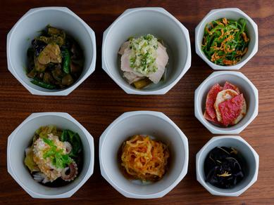 中華の定番と野菜のいろんな味が楽しめる『前菜』