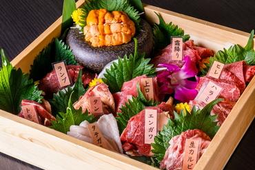 自慢の料理をまとめて楽しむ『松阪牛ステーキと北海道産雲丹と馬刺し10種の会席コース』