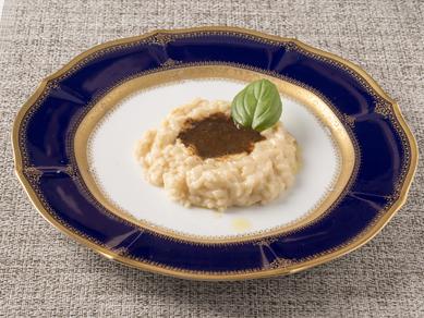 白トリュフオイルの香りが奥行のある味わいを生み出す『濵膳特製リゾット』は本場イタリア仕込み
