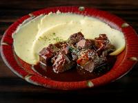 牛タンを2日以上しっかり煮込んだ『牛タンの味噌デミグラス煮込み』