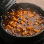 当店特製のオリジナルブレンドの豆板醤による麻婆豆腐です! 辛さは「5段階」からお選びいただけます。