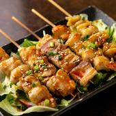 甘めのタレと香ばしさが食欲をそそる『串焼き鶏 盛り合わせ5本』