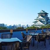 手に届きそうなほど近い大阪城天守閣‼