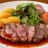 旨みのある肉をオリジナルのソースで『岩手県産岩中ポークのロースト~オイスターペッパーソース~』