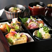 野菜は、時には主役にしたり、時には主役の逸品を引き立たせるための脇役にしたり。また、料理をおいしく魅せるための色使いや盛付けも、野菜の使い方によって異なります。